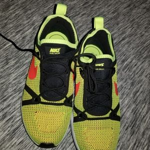 NEW NIKE DUEL RACER RUNNING SHOES